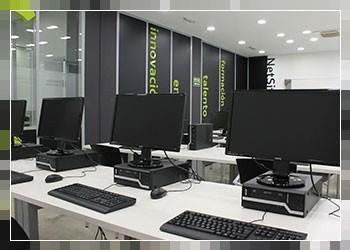 Alquiler de Salas y Espacios en Logroño - Aula con Equipos Informáticos