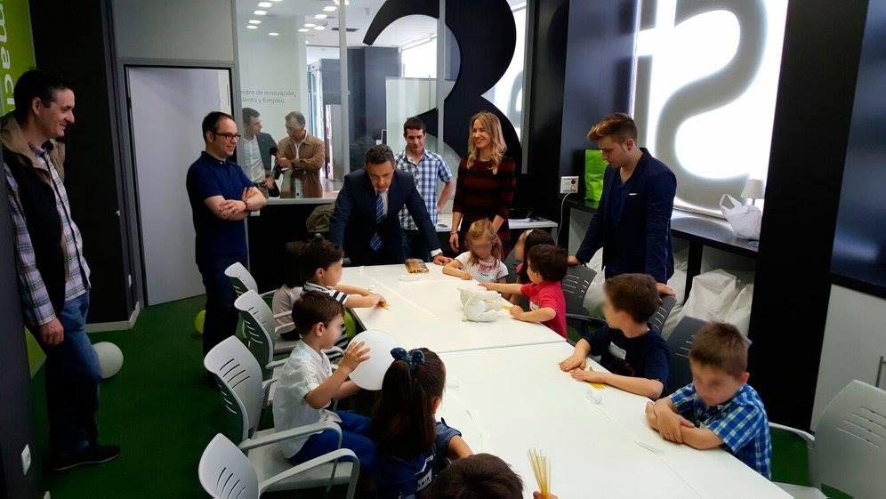 Conrado Escobar y Diego Azcona, del Gobierno de La Rioja, han visitado Vivero de Talento en el Centro de Formación, Talento y Empleo de Capacitae